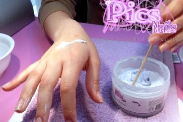 Applicazione Scrub Mani