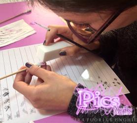 creazioni unghie e nail art con micropittura