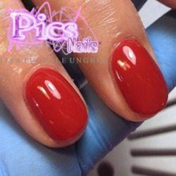 Dopo: Applicazione Colore Pulita e Perfetta grazie alla Manicure Russa