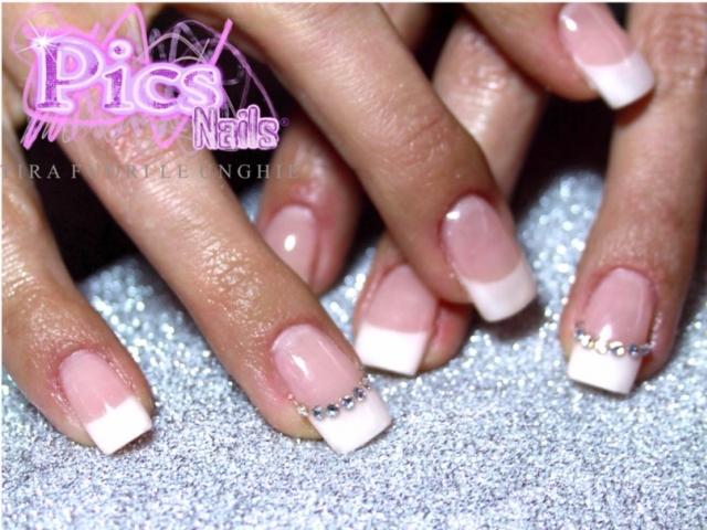French swarovski pics nails for Immagini con i brillantini