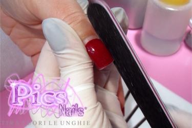 limatura laterali unghie ritocco gel