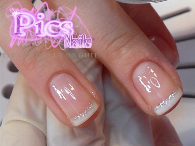 Manicure French Con Glitter Pics Nails