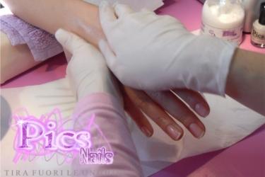 Massaggio Manicure con Lozione