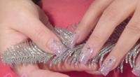 Unghie Decorate Nail Art con French Lilla