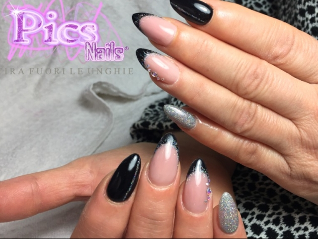Nail Art French Unghie Nere e Argento