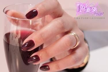 Nuovo Smalto Semipermanente Rouge Noir Pics Nails