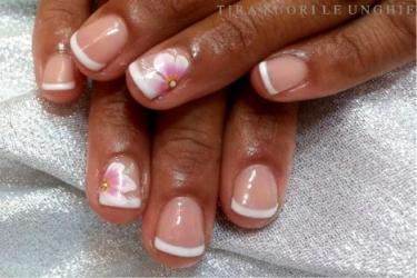 semipermanente e nail art French