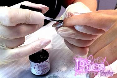 Sigilliamo la nostra Nail Art con il Gel Sigillante Led