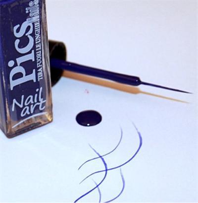 smalto nail art viola blu 06