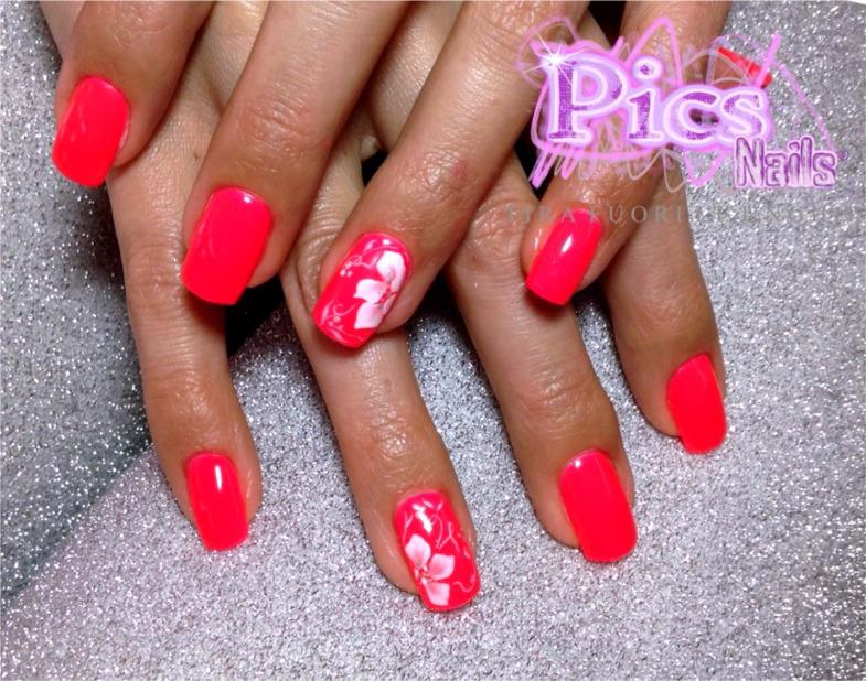 Immagini nail art la fotogallery nails art pi famosa for Decorazione e applicazione unghie finte