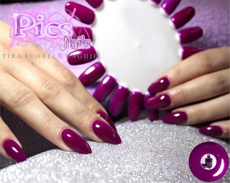 smalto-semipermanente-viola-neon