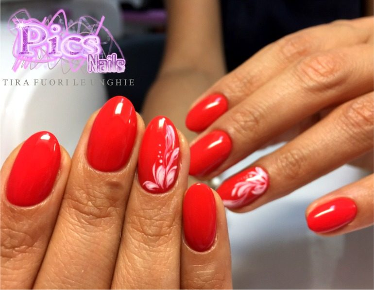 Unghie Gel Rosse Decorate