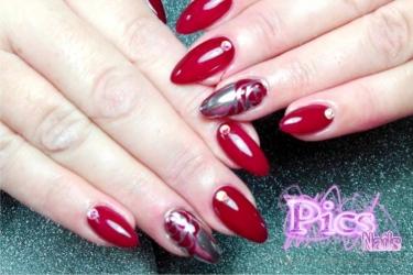 Tendenze unghie capodanno le nail art perfette per te pics nails - Unghie polvere specchio ...